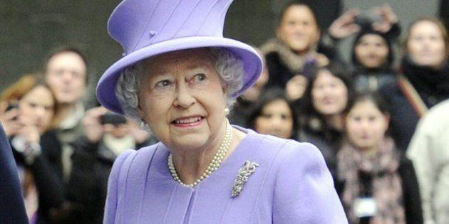 La reina Isabel II de Inglaterra, hospitalizada por