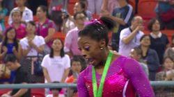 El peor momento de la mejor gimnasta del mundo sobre un