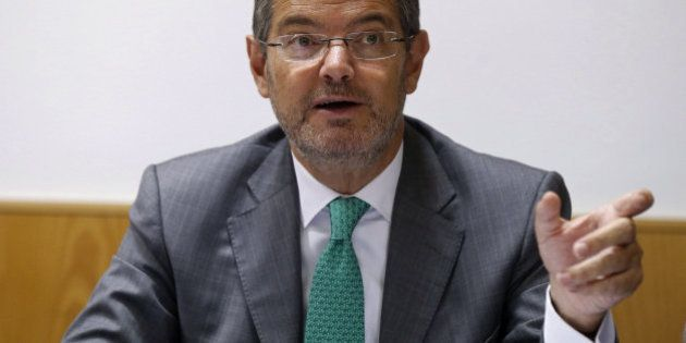 Catalá pide que no haya líneas rojas en las negociaciones aunque no contempla el relevo de