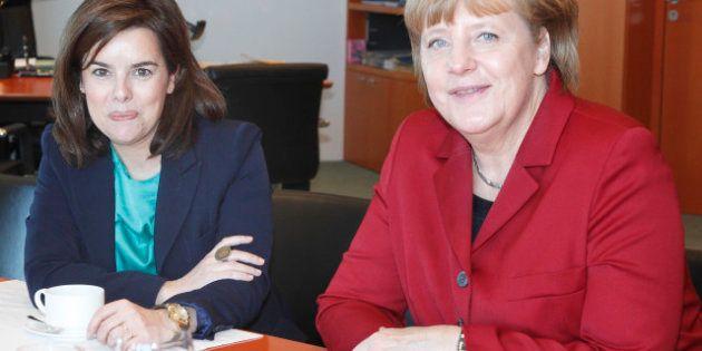 Merkel expresa a Sáenz de Santamaría su preocupación por el paro juvenil en