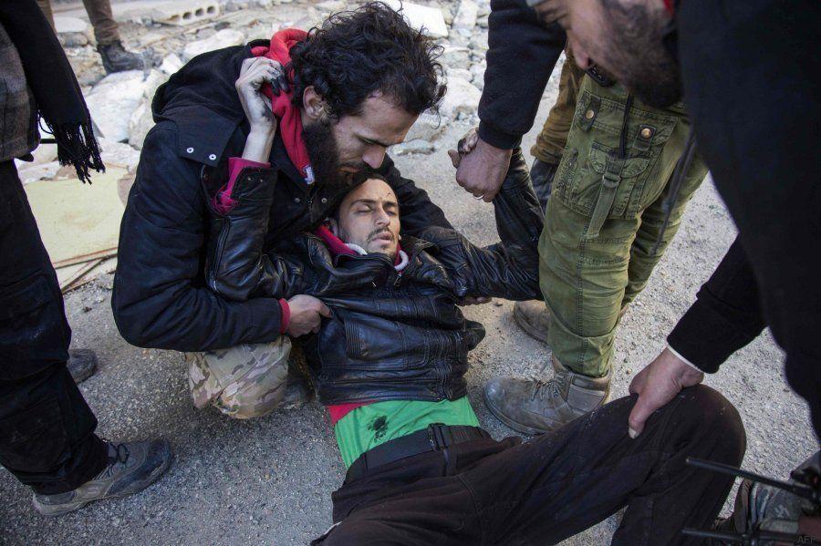 Comienza la evacuación de civiles en Alepo en mitad de una confusión