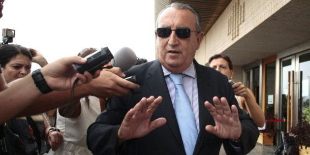 Carlos Fabra no irá a la cárcel hasta que se tramite su petición de