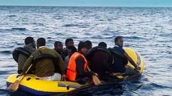 Rescatados a bordo de una patera hinchable