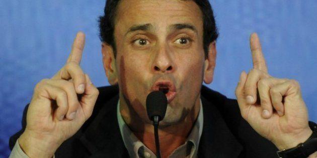 Los candidatos a la presidencia de Venezuela, Maduro y Capriles, se lanzan críticas ante las elecciones...
