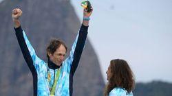 Logra el oro olímpico un año después de ser operado de cáncer de