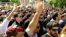 Un grupo de mossos le canta 'Viva España' a Artur Mas