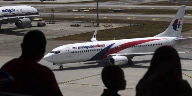 El avión desaparecido descendió hasta los 5.000 pies para evitar los radares