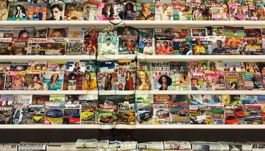¿Ves algo más que un montón de revistas?