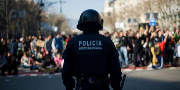 Los antidisturbios de los Mossos llevarán 'matrícula': tendrán que tener la identificación visible a...