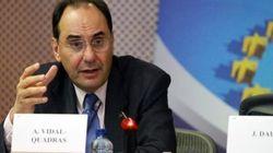 Vidal-Quadras organiza una reunión de críticos con