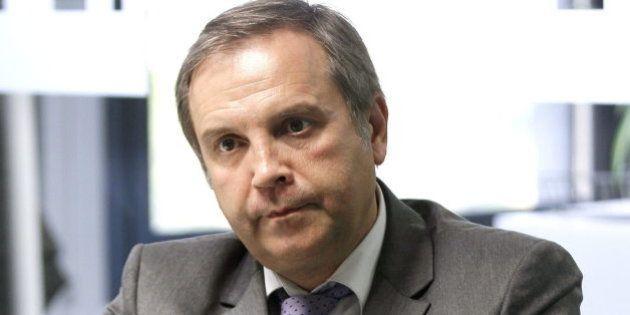 Antonio Miguel Carmona pronuncia un discurso en