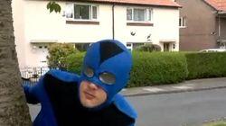Este superhéroe cuelga la capa tras ser agredido