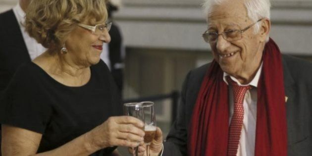 El padre Ángel invita a cenar a 200 'sin techo' en