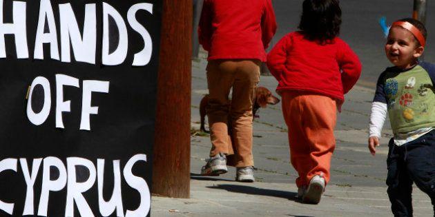 El corralito huérfano: Chipre retrasa el voto sobre la quita y la eurozona intercambia