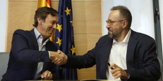 PP y C's firman el pacto anticorrupción para iniciar las