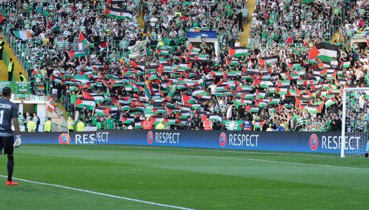 Los aficionados del Celtic desafían a la UEFA al apoyar así a