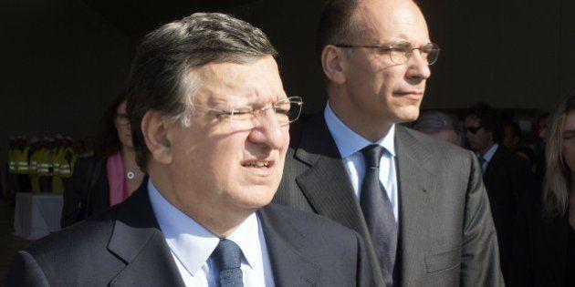 José Manuel Durao Barroso, atacado con huevos por dos jóvenes contra la