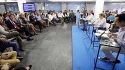 Un candidato a presidir NNGG de Madrid rompe una foto de