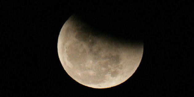 Eclipse penumbral parcial en la 'Luna del cazador'