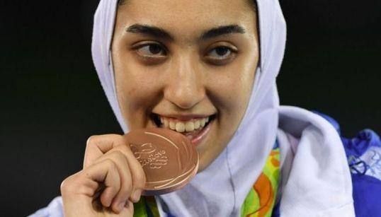 Kimia Alizadeh Zenoorin, la primera mujer iraní en ganar una medalla