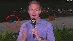 Este presentador bate el récord de momentos raros en unos