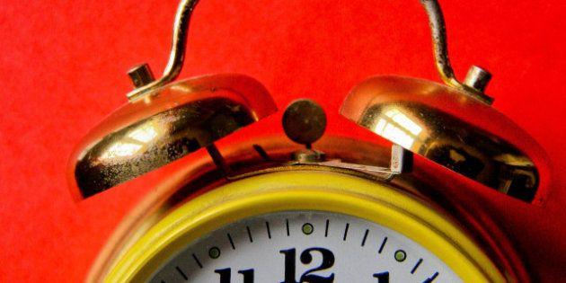 ¿Por qué cambiamos la hora? ¿Merece la