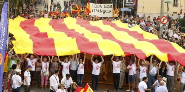 Miles de personas marchan en Tarragona contra el