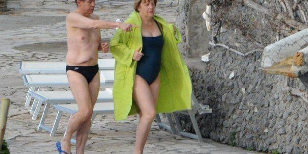 Merkel visita y almuerza en la casa del maître del hotel donde se aloja en Italia, que había sido despedido