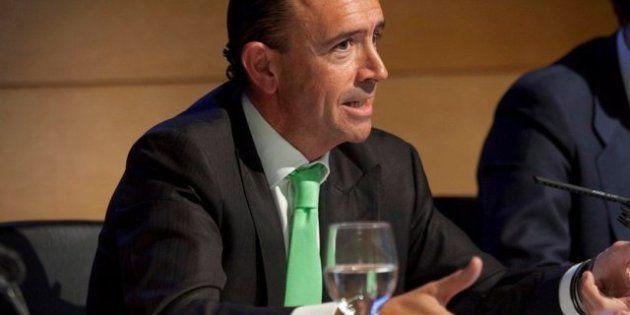 La empresa de la que es consejero Manuel Lamela gestiona el hospital que él adjudicó en su etapa al frente...