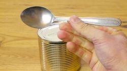 ¿Se puede abrir una lata de conserva con una cuchara?