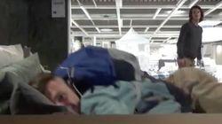 Ikea, obligada a responder ante la nueva moda de pasar la noche en sus