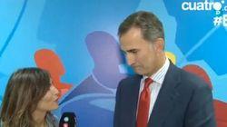 El tuteo de la periodista de Telecinco al rey... y las reacciones en