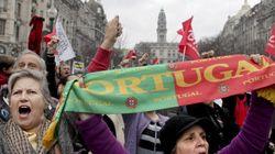 El Constitucional portugués anula los recortes de las pagas a
