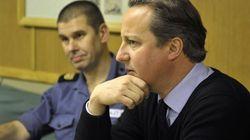 Reino Unido baja los impuestos a las rentas más altas para salir de la