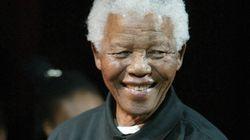 Nelson Mandela abandona el