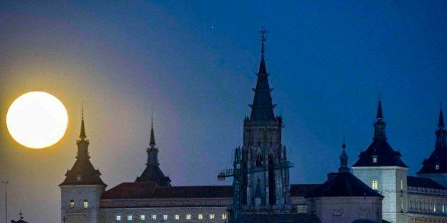 17 fotones que muestran la superluna alrededor del