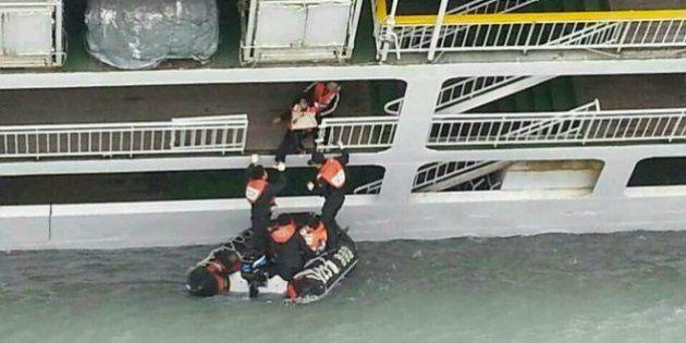 El capitán del ferri hundido en Corea del Sur tardó 40 minutos en ordenar la