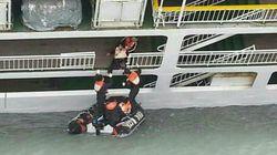 El capitán del buque surcoreano tardó 40 minutos en ordenar la