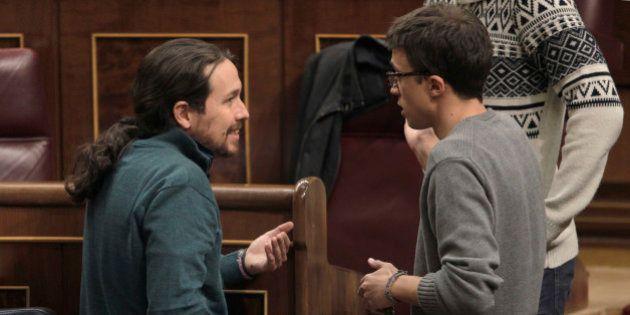 Y en plena pelea en Podemos, Twitter se fija en esta casualidad