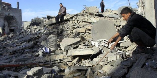 Israel intensifica su ataque y bombardea la franja palestina de Gaza por aire y