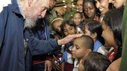 Fidel Castro reaparece para inaugurar un colegio