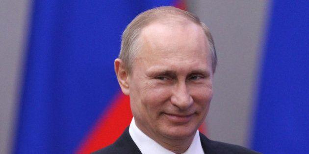 Putin firma el decreto que reconoce a Crimea como Estado