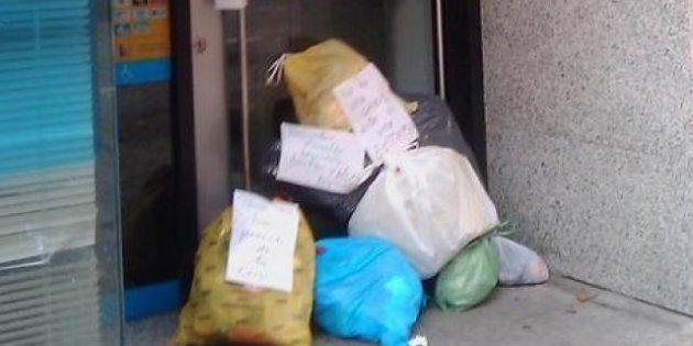 #tubasuraalbanco: la última protesta contra los bancos, al hilo de la huelga de recogida de basuras en...