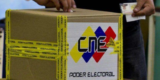 Venezuela elige en las elecciones presidenciales entre Maduro y Capriles, con Chávez en el