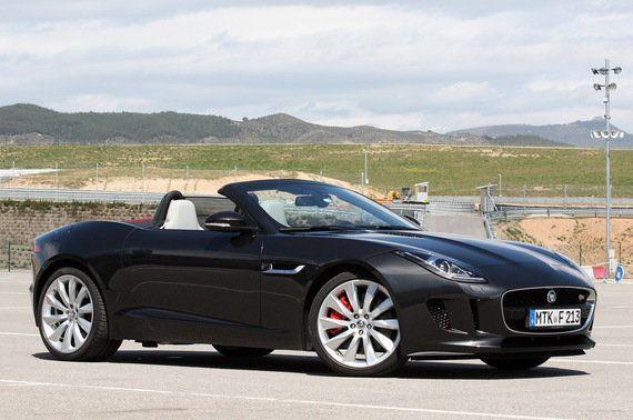 Nos subimos al nuevo Jaguar F-Type en el Circuito de