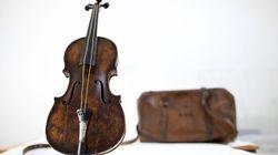 El violín que sonó en el 'Titanic' mientras se hundía sale a