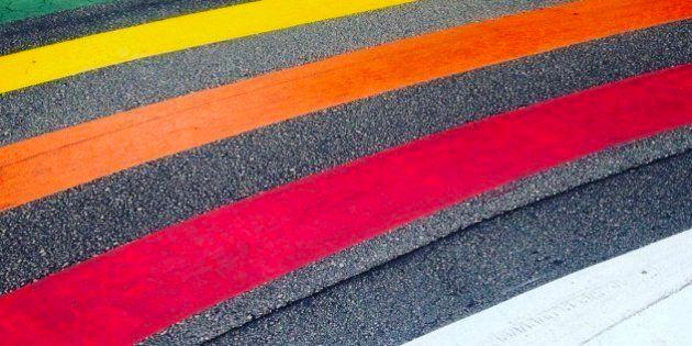 Polémica en Gandia por los pasos de cebra con los colores del