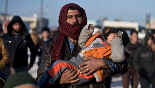 20.000 sirios escapan del asedio redoblado sobre