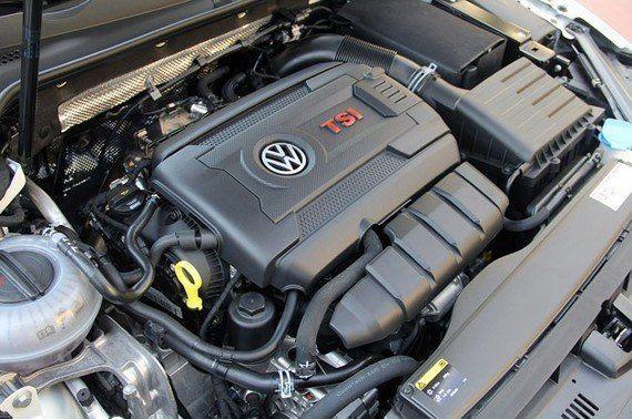 Contacto: Volkswagen Golf