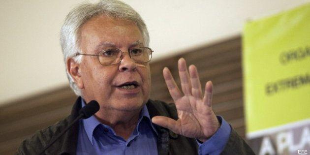Felipe González pide respaldo a la Monarquía porque